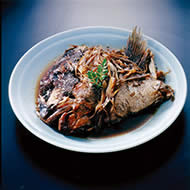 地魚のカブト煮