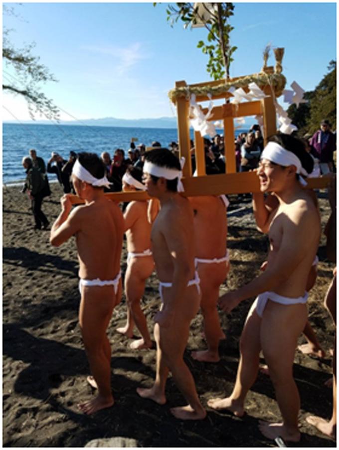 第17回厳冬海中みそぎ祭り_天狗本番